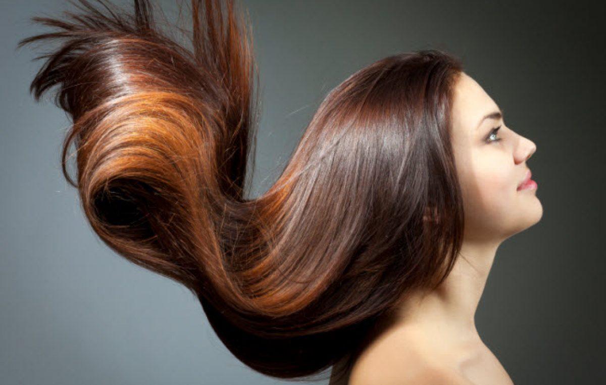 Jojoba-oil-for-hair-as-a-moisturizer