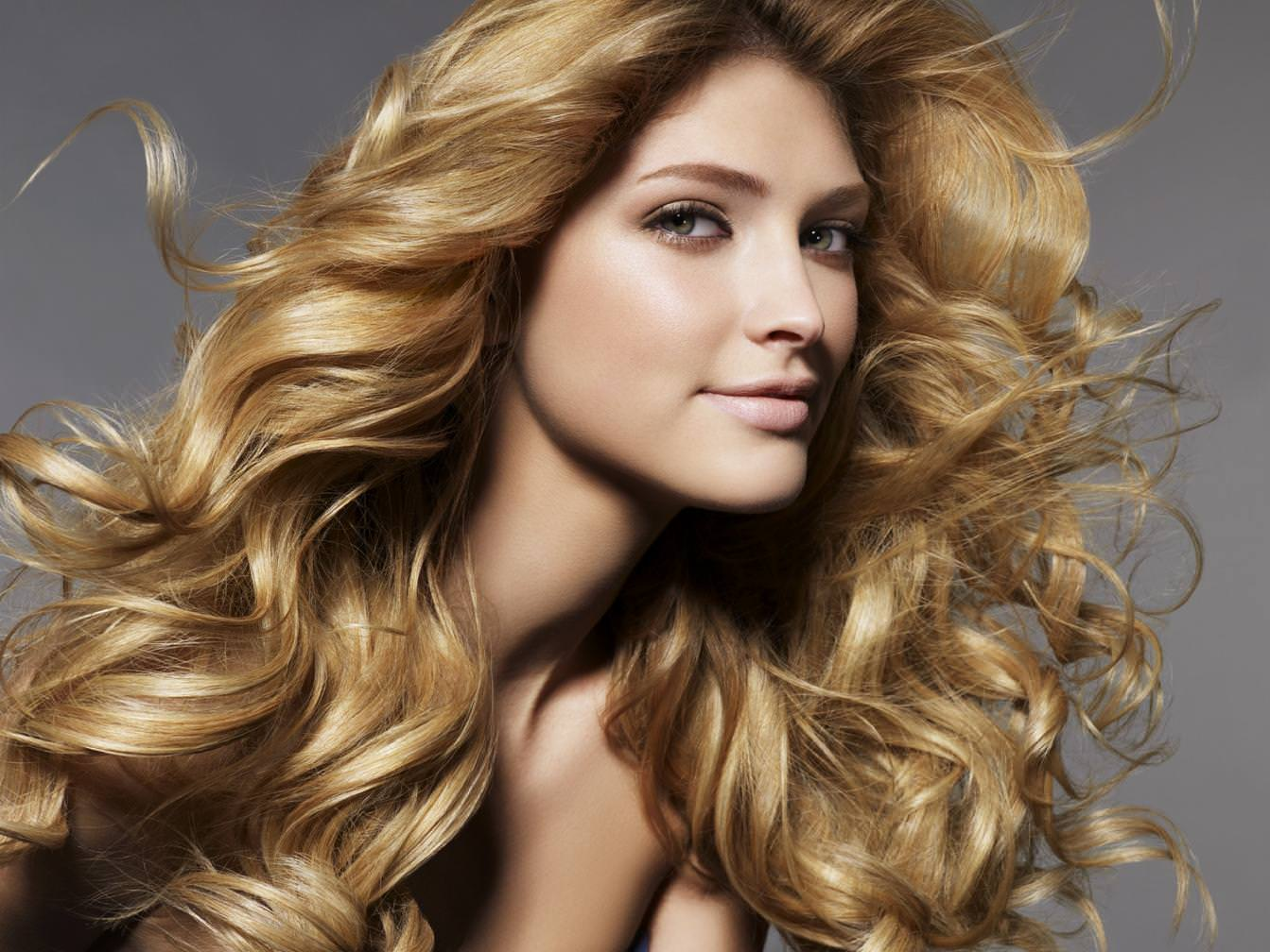 Jojoba-oil-for-hair-to-give-thicker-looking-hair
