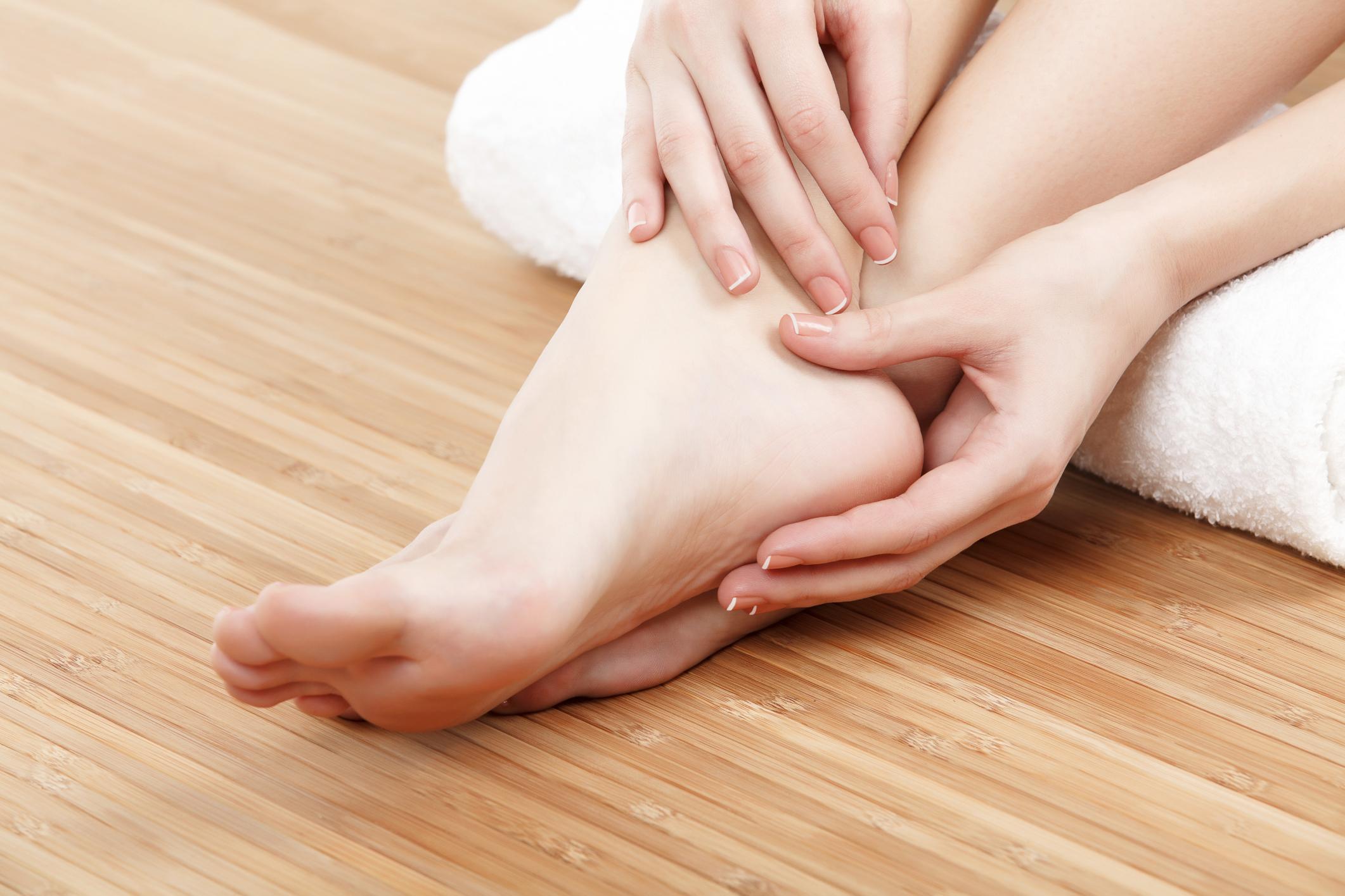Jojoba-oil-uses-as-foot-softener