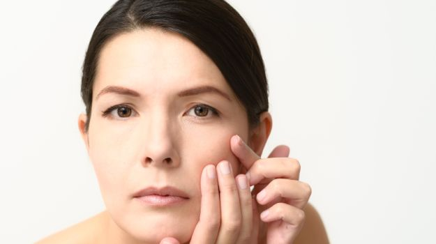 Olive-oil-to-improve-skin-texture