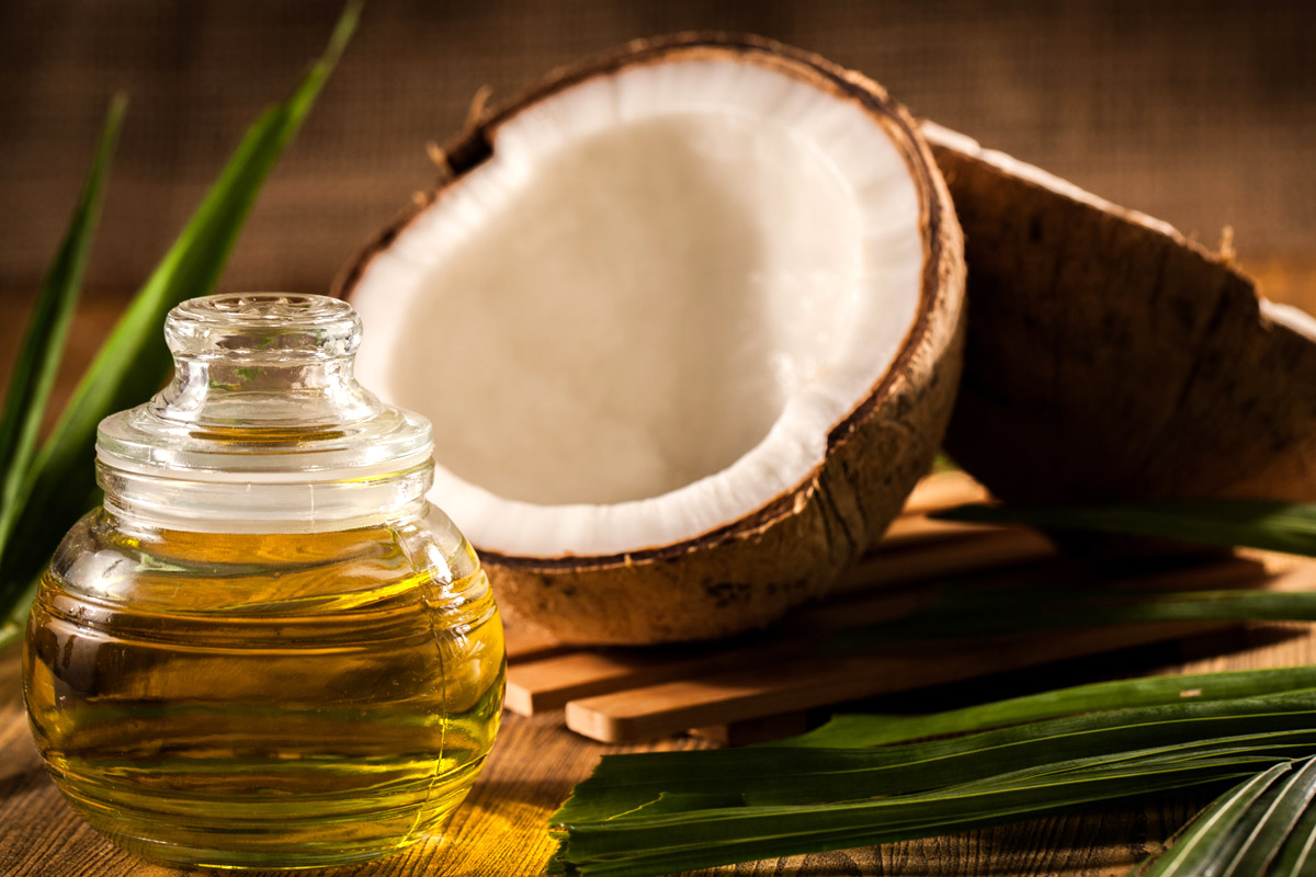 Tea-tree-oil-for-acne-with-coconut-oil