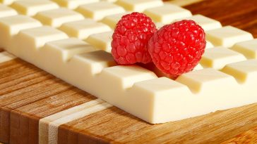 10-Health-benefits-of-White-Chocolate