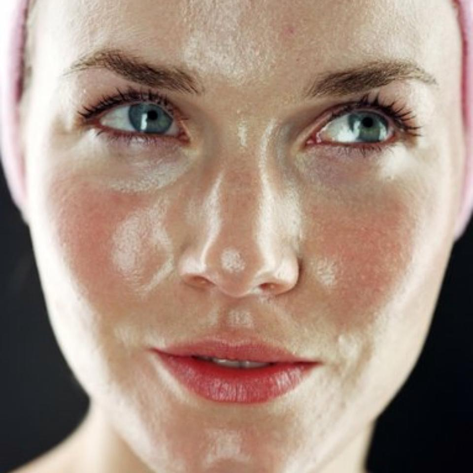 Argan-oil-for-the-face-as-night-cream