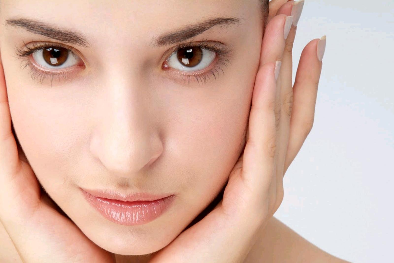 Bergamot-essential-oil-for-blemish-free-skin