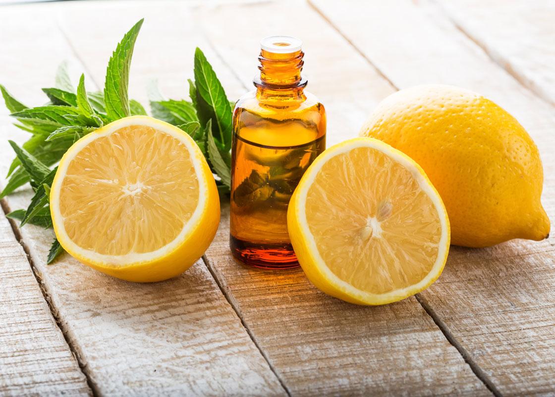 Essential-oils-for-a-cough-Lemon-oil