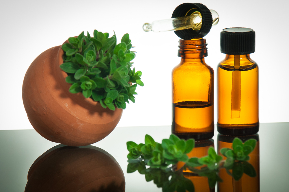 Essential-oils-for-warts-Oregano-oil