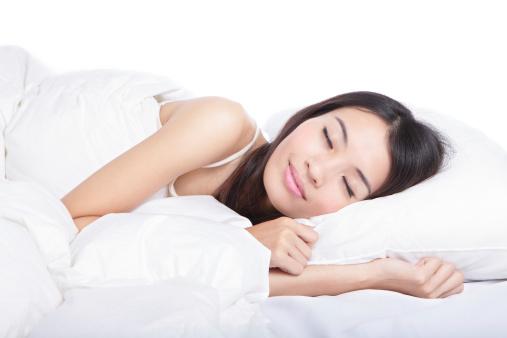 Juniper-berry-essential-oil-as-a-sleeping-aid