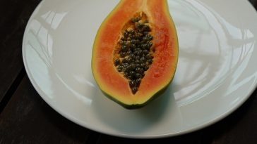 how-to-eat-papaya-seeds